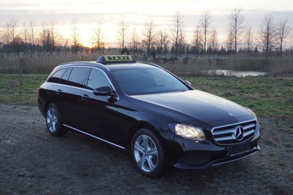 Barclay In Between Dachzeichen auf Mercedes S213